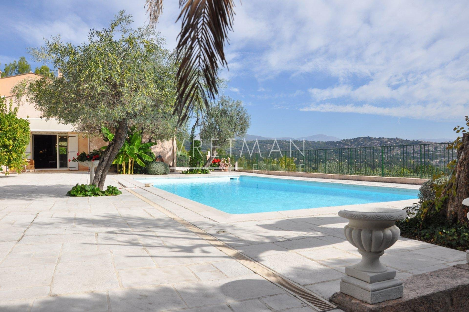 Villa with amazing views - Fayence