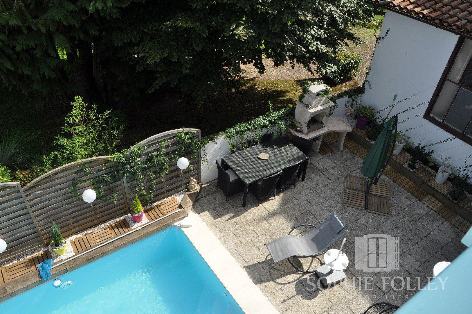SALIES DE BEARN - Ideal pied a terre with swimming pool, walking distance to town.