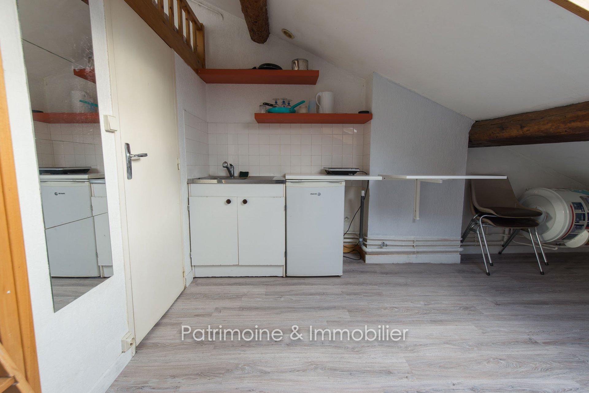 Lyon 6 - Studette 12 m2 - 430 euros CC