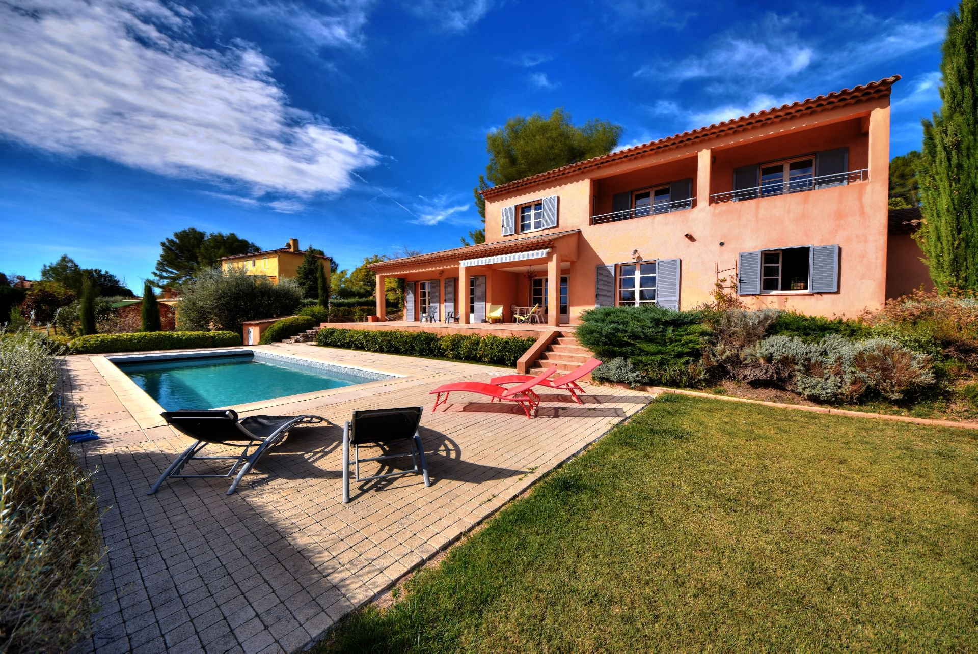 Villecroze, superb house of 200sqm with swimming room
