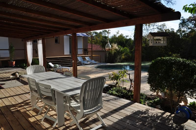 House 4 bedrooms, pool, 100m2 to develop
