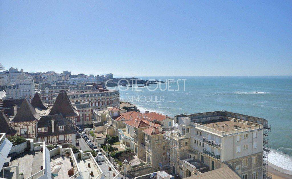 BIARRITZ FOR SALE AN EXCEPTIONAL APARTMENT WITH A TERRACE ENJOYING A PANORAMIC OCEAN VIEW