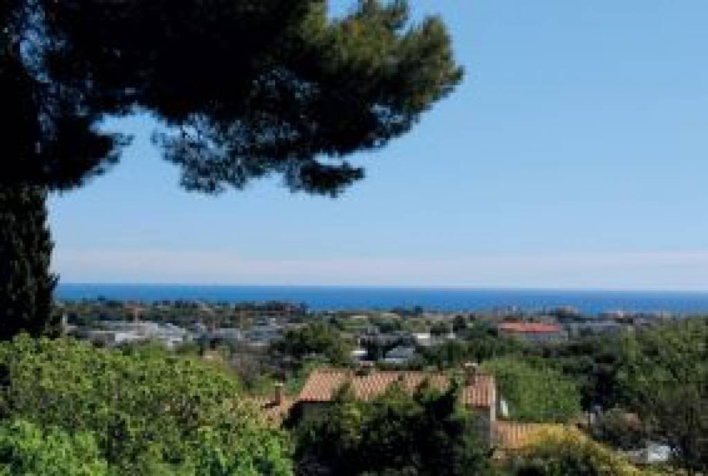 Antibes particular demeure with 1300 sqm with 3 swimming-pools