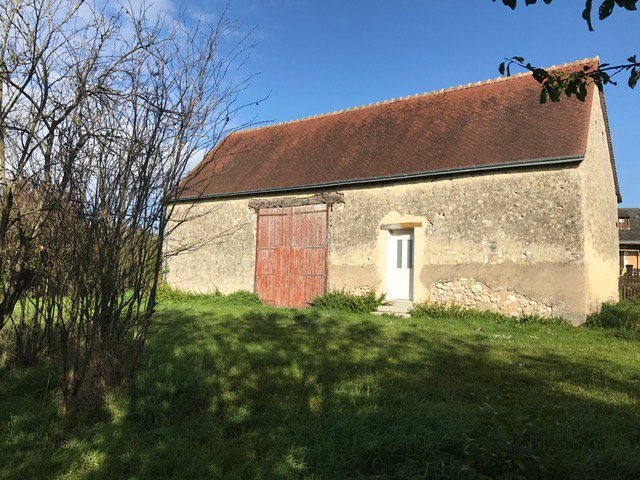 Sale Barn - Chateau La Valliere