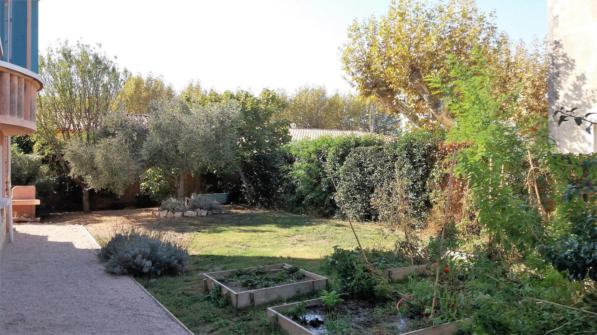 GRANDE MAISON 7 Pièces sur  820 m² de terrain