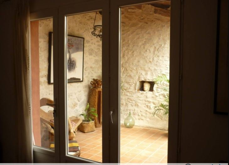 TAVERNES Beautiful stone property with lots of charm! Ideal for b&b!