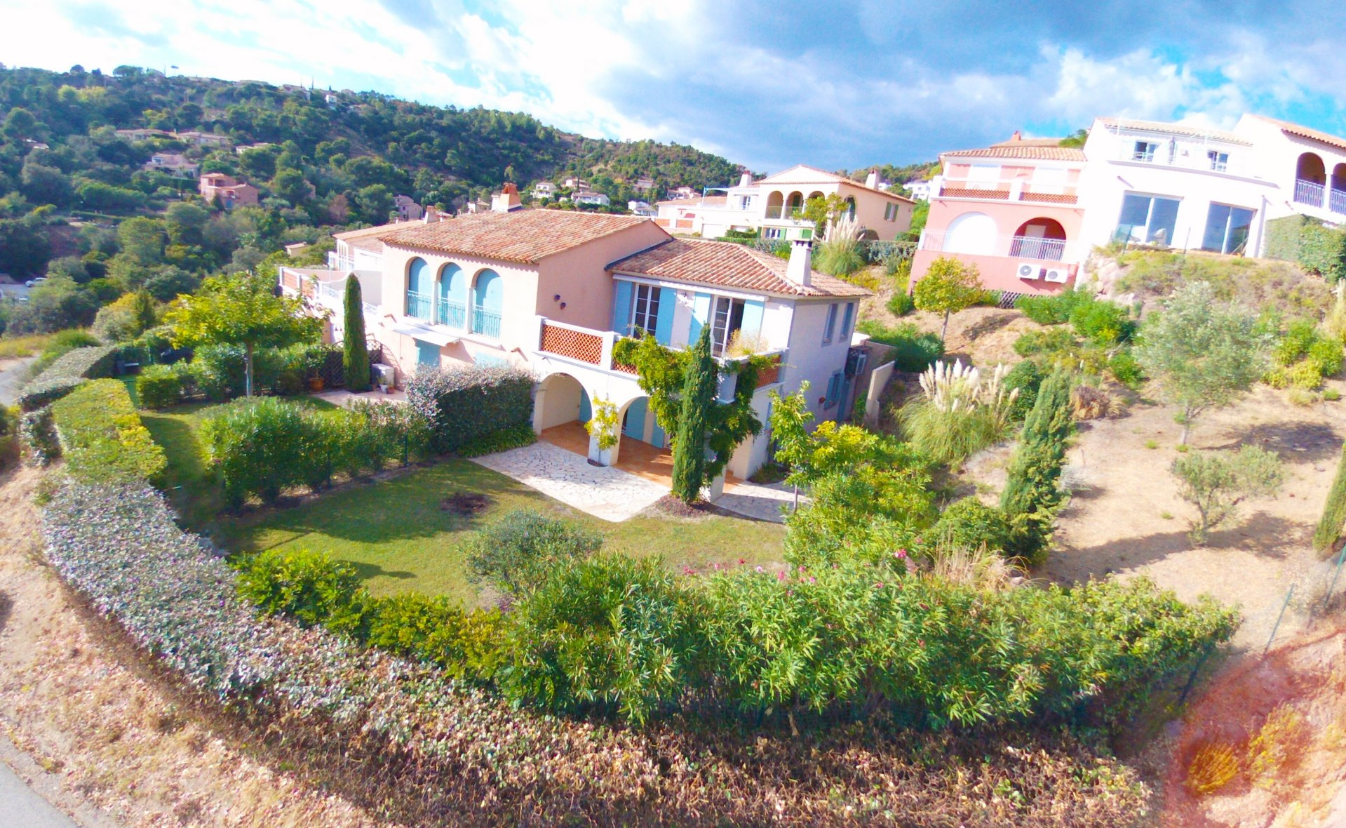 LES ISSAMBRES -  cozy semi-detached villa with SEA VIEW