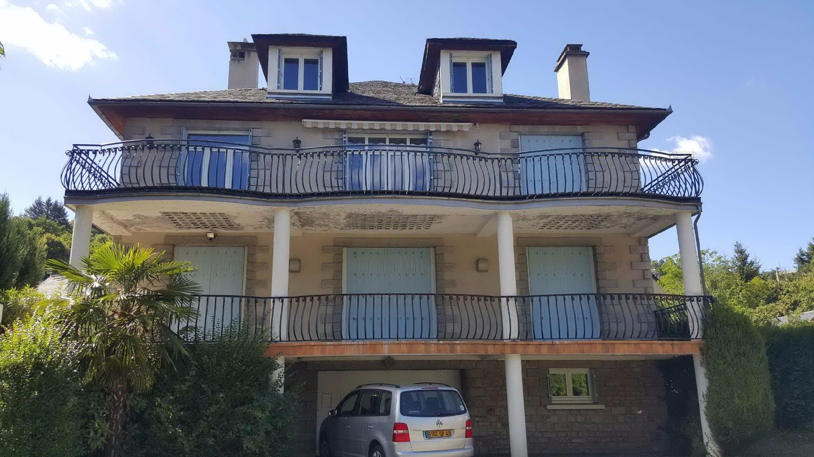 Large family house in a residential area 10min walk from the city center
