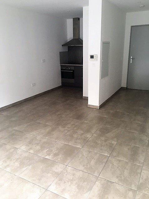 SAINT-ETIENNE-Appartement T2 RECENT avec terrasse et garage