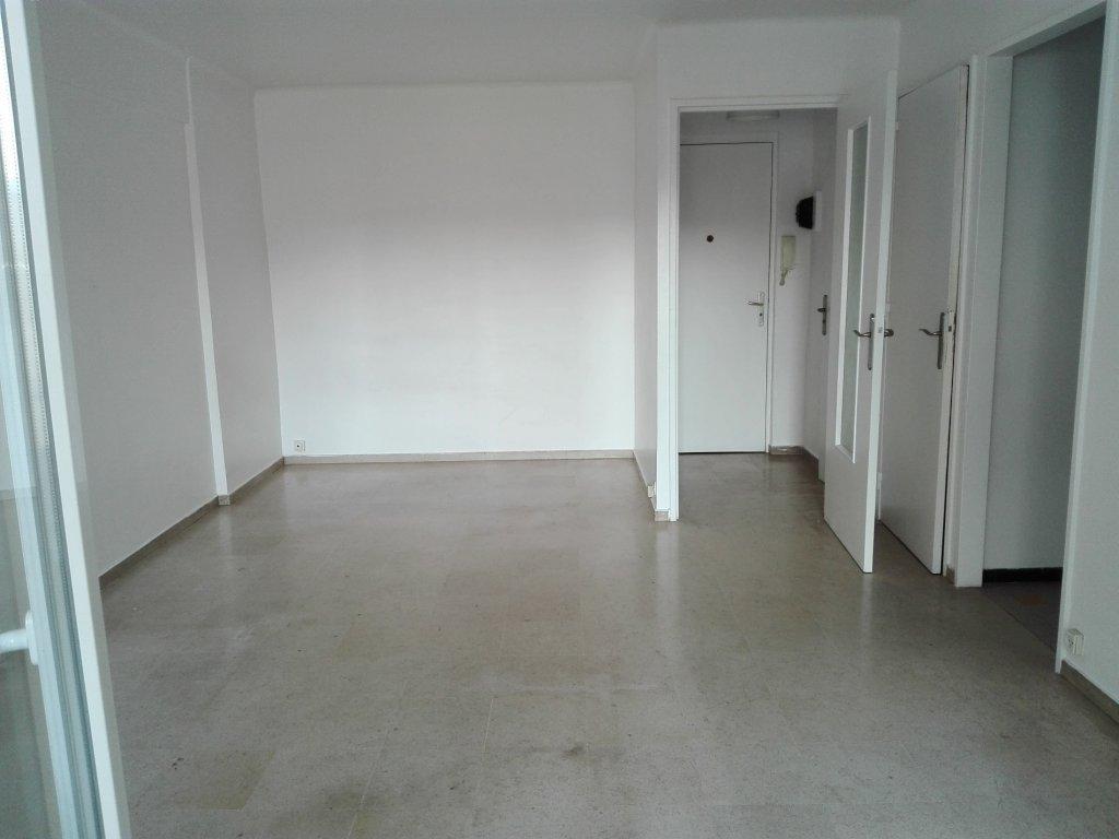 Spacieux studio 33m² au centre de CANNES proche rue d'Antibes