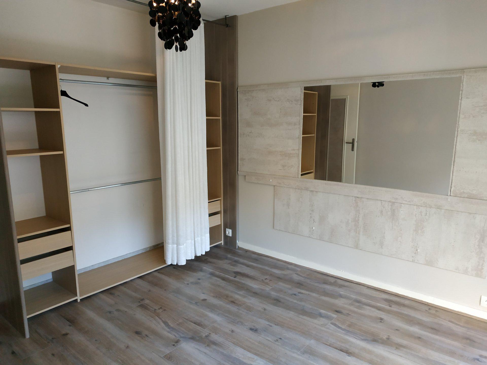 F2  49 m² dans résidence de bon standing, décoration raffinée