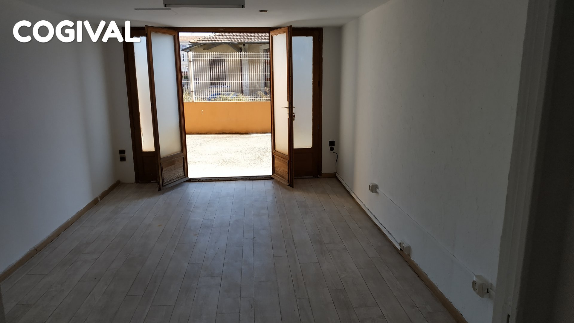 Local commercial de 36 m² au centre ville de Golfe Juan