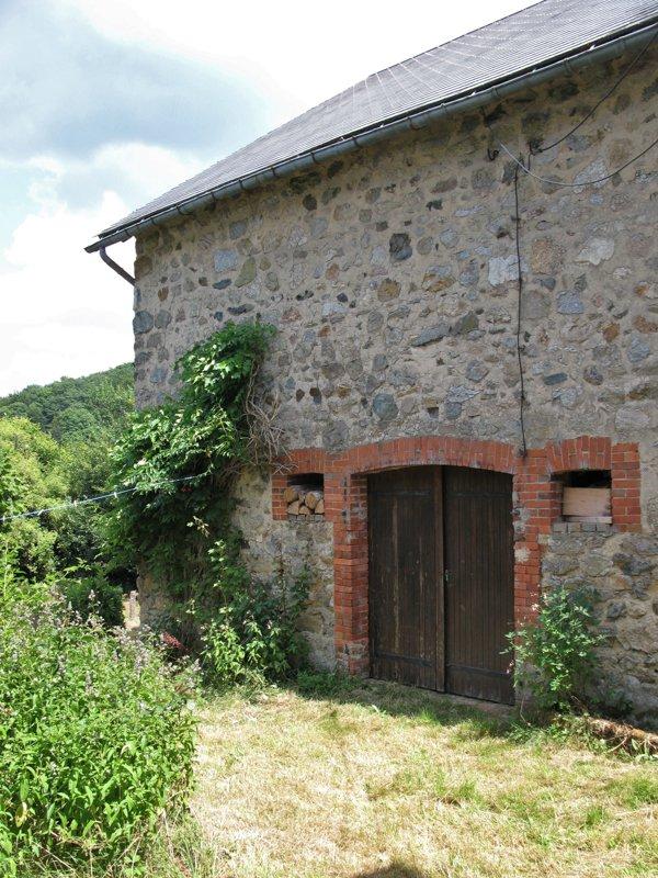 Schitterende natuurstenen fermette te koop nabij Arleuf, Morvan