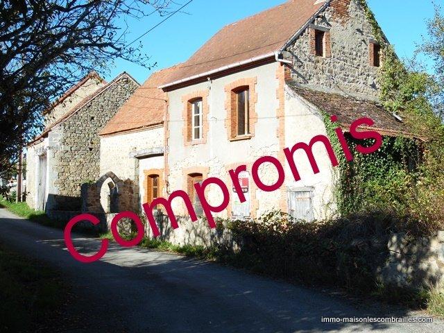 Te koop in de Creuse, een huis met schuur en grond