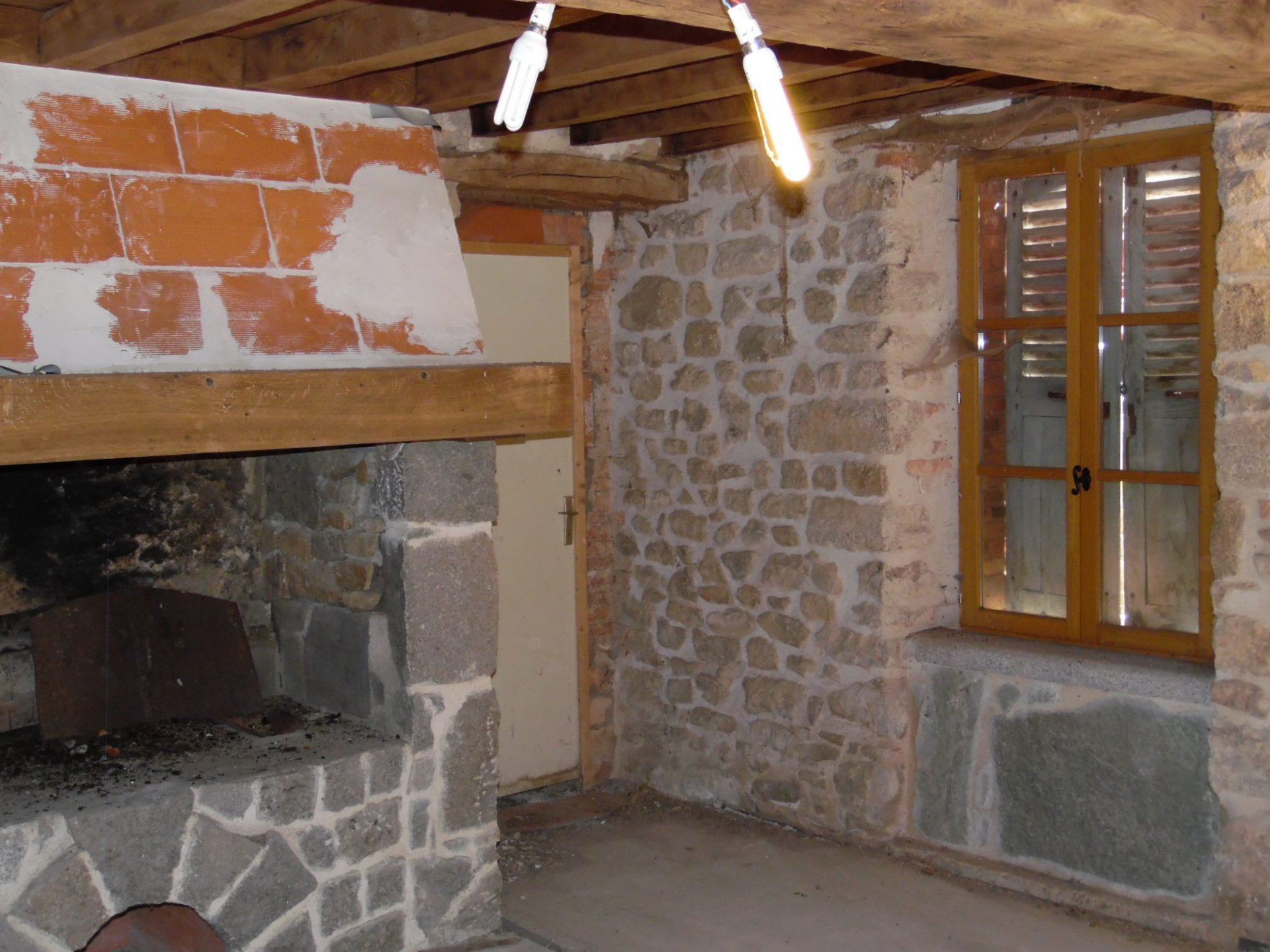 Stone house with outbuildings for sale in Creuse