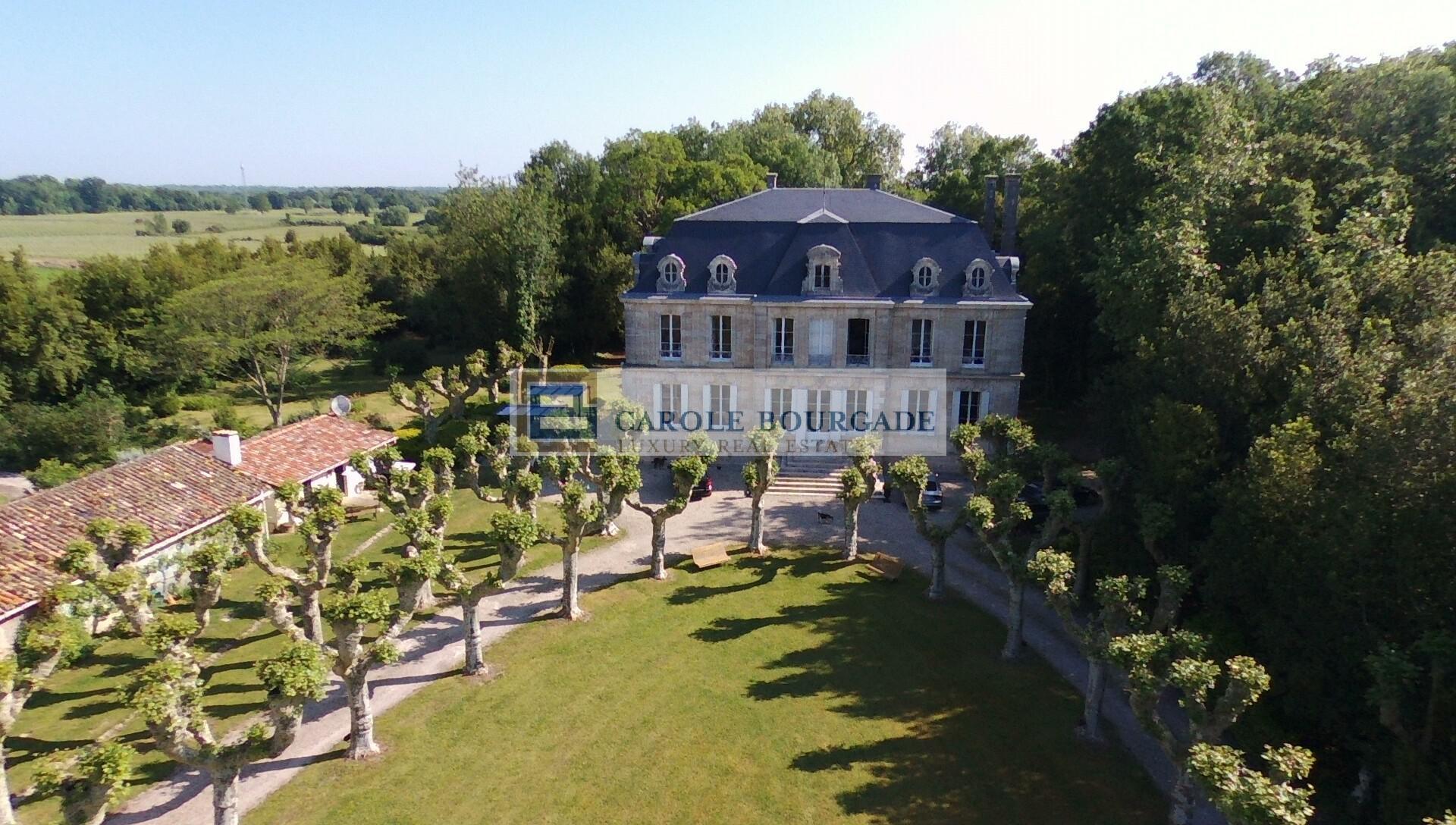 Magnifique propriété dans le Médoc à 70km de Bordeaux