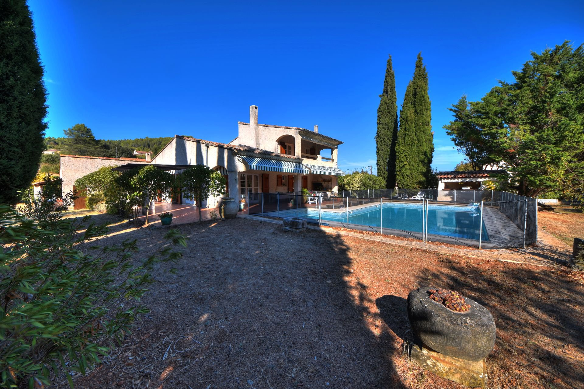Comfortable villa with beautiful volumes, Cabasse, Var, Provence