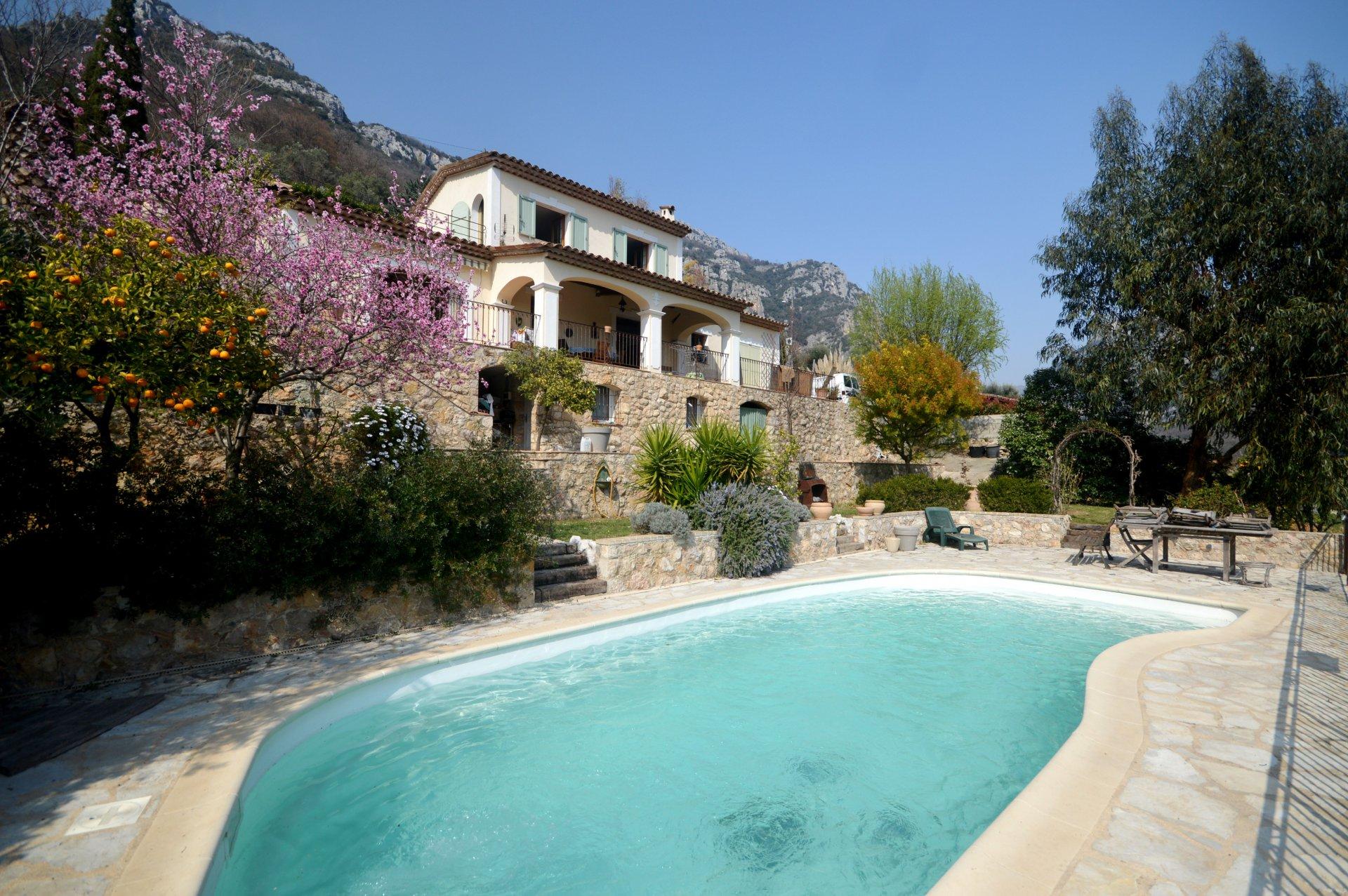 Verkauf Haus - Le Bar-sur-Loup - 525 000 €