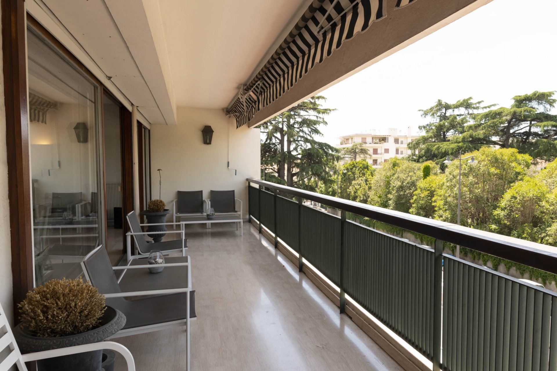3P 106 M² + TERRACE CENTER TOWN CANNES