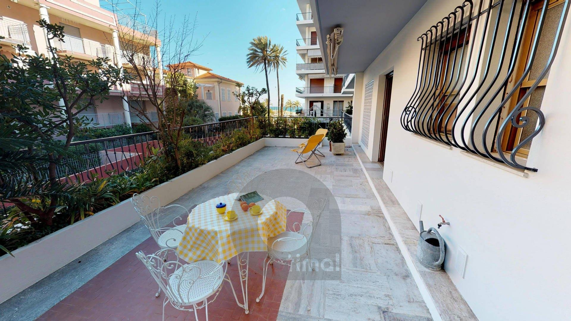 Beautiful 2 rooms apartment with big terrace and garage close to the sea and center