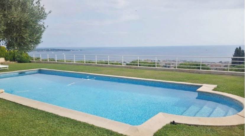 MAGNIFICENT SEA VIEW ON GOLFE JUAN'S HEIGHTS