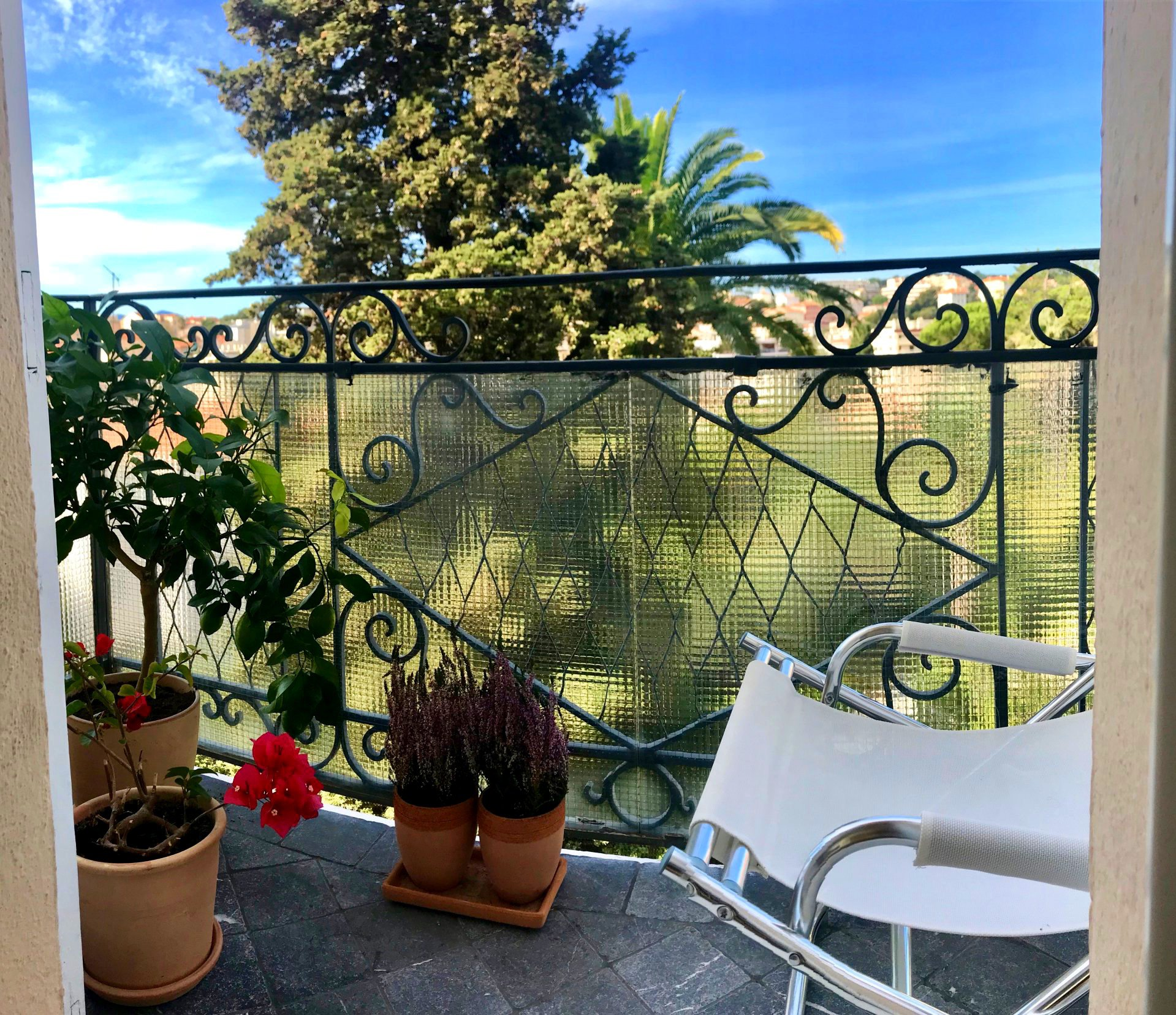 Cannes Petit Juas €895 000: Large 3/4 rooms apartment, 139 sq m with sea view