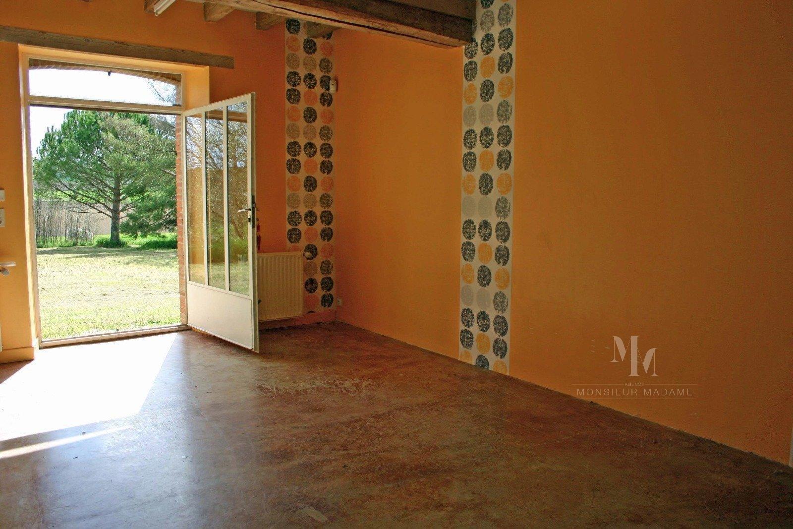 Villefranche, 20 mn, ferme lauragaise rénovée sur 7300 m2.