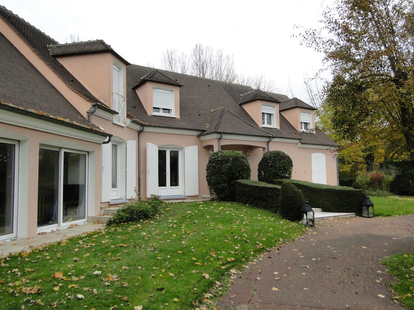 Sale House - Chevry Cossigny