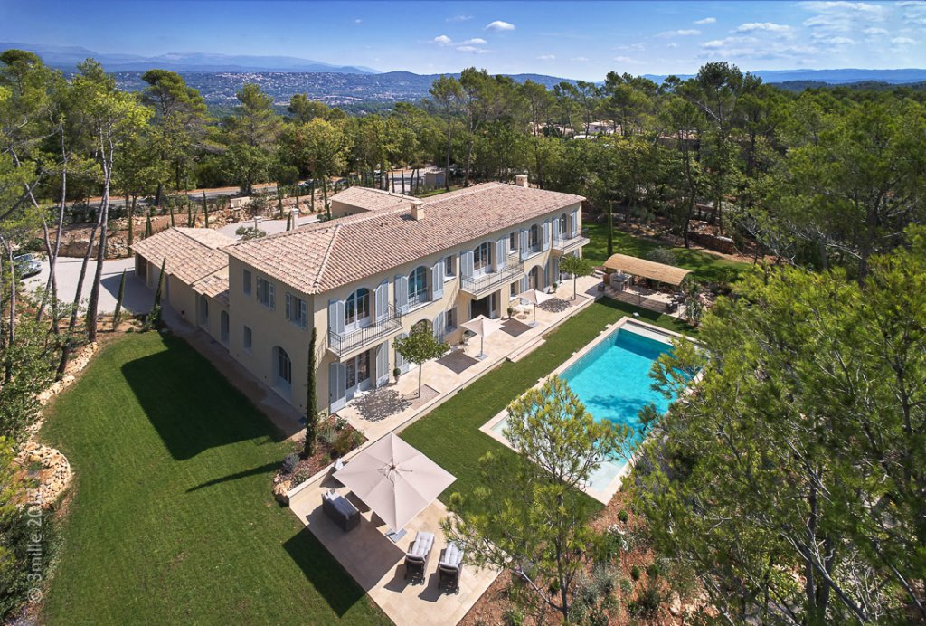 Cannes Countryside -  Tennis and Golf Estate with Helicopter access