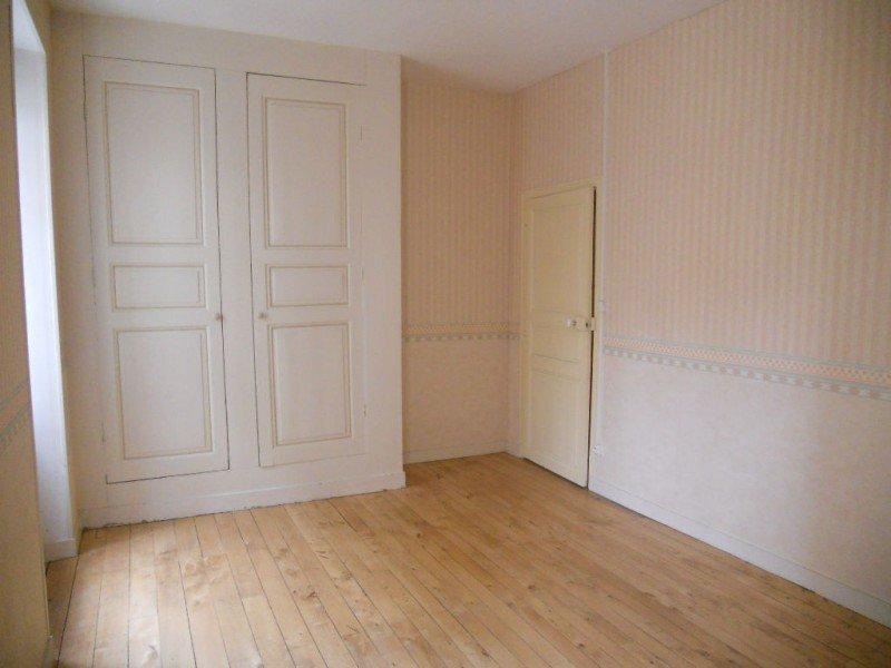 Appartement Thouars quartier Saint Médard - 3 Pièce(s) - 77 M2 (env.)