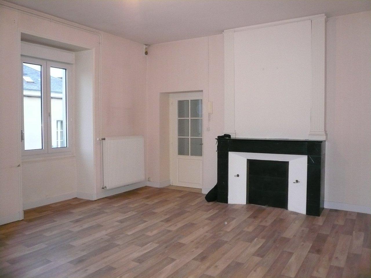 Appartement Thouars - 3 Pièce(s) - 91 m² (env.)