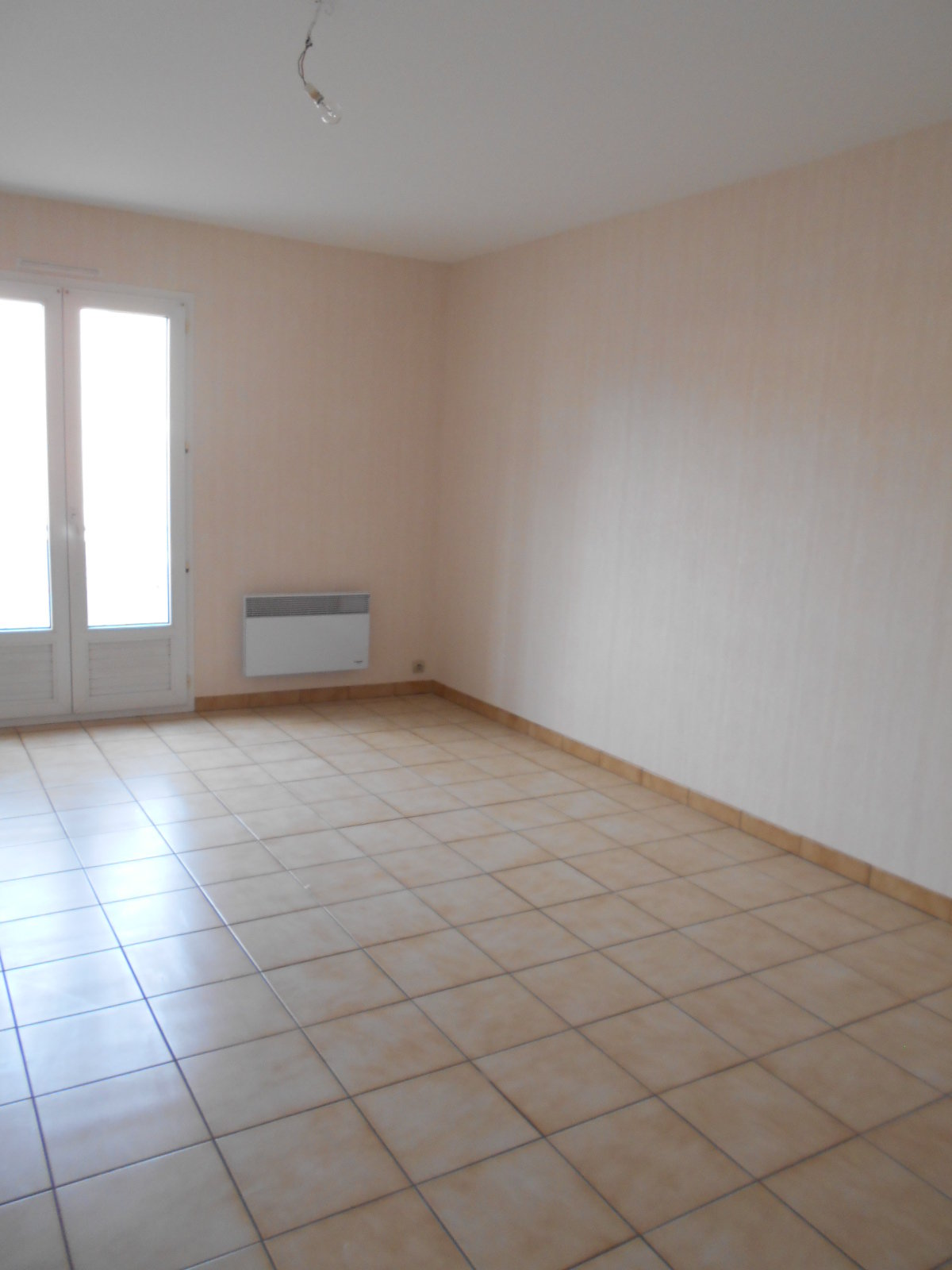 Appartement Thouars - 2 Pièce(s) - 56 M2