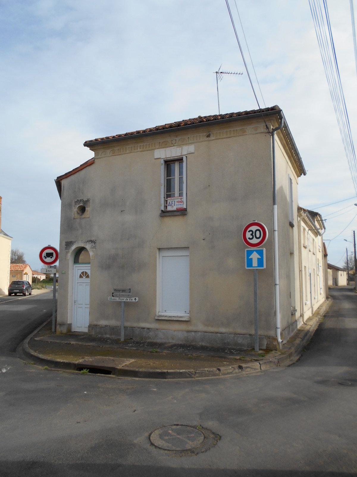 Maison Argenton-l'eglise