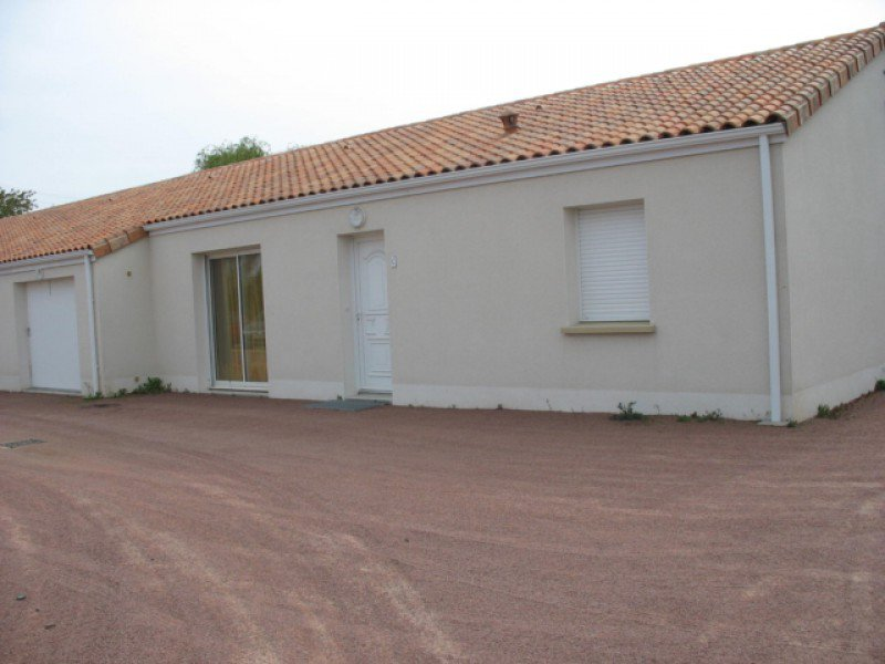 Maison Brion-pres-thouet - 3 Pièce(s) - 84 m² (env.)