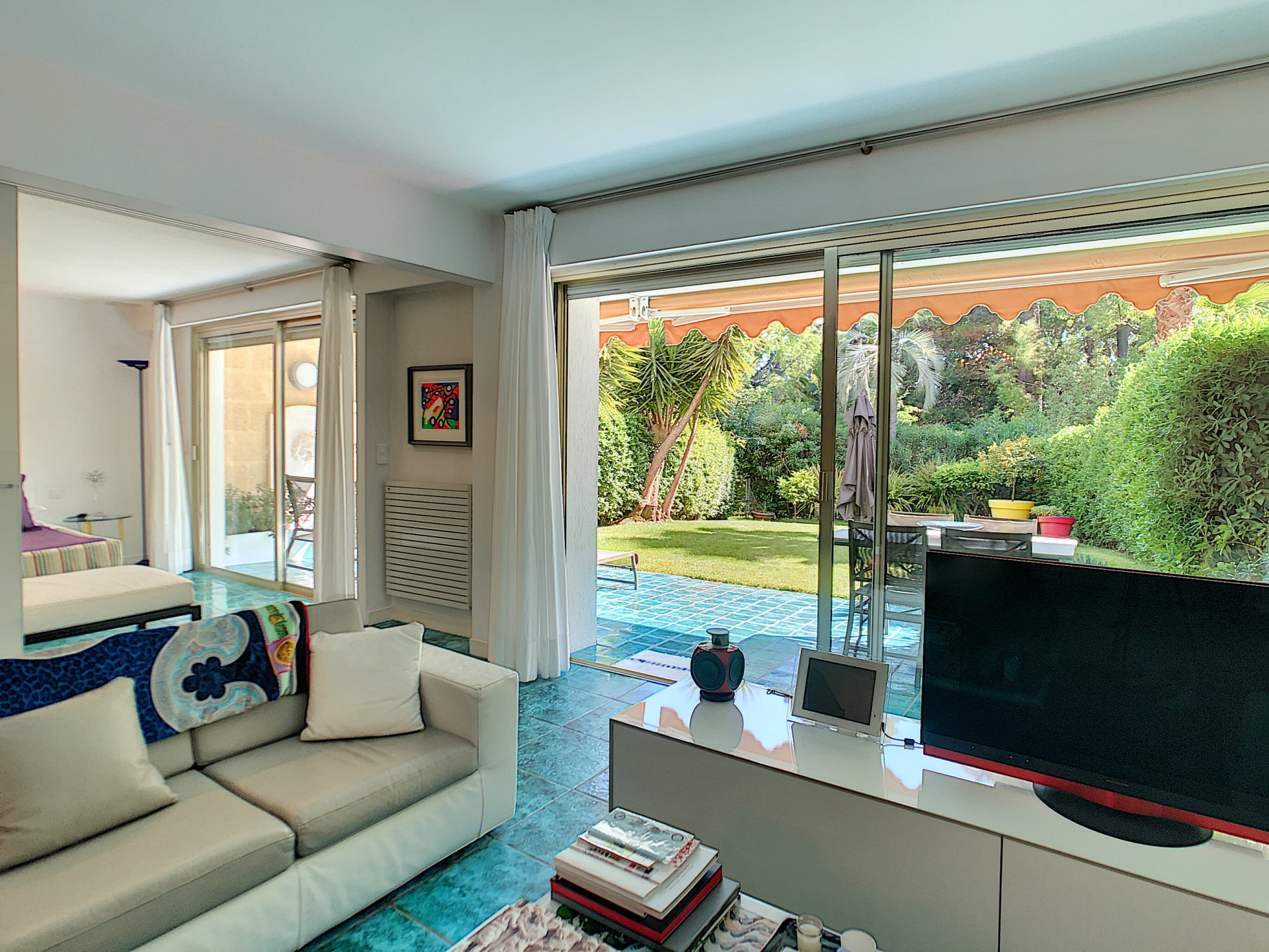 CANNES GROUND FLOOR FOR SALE