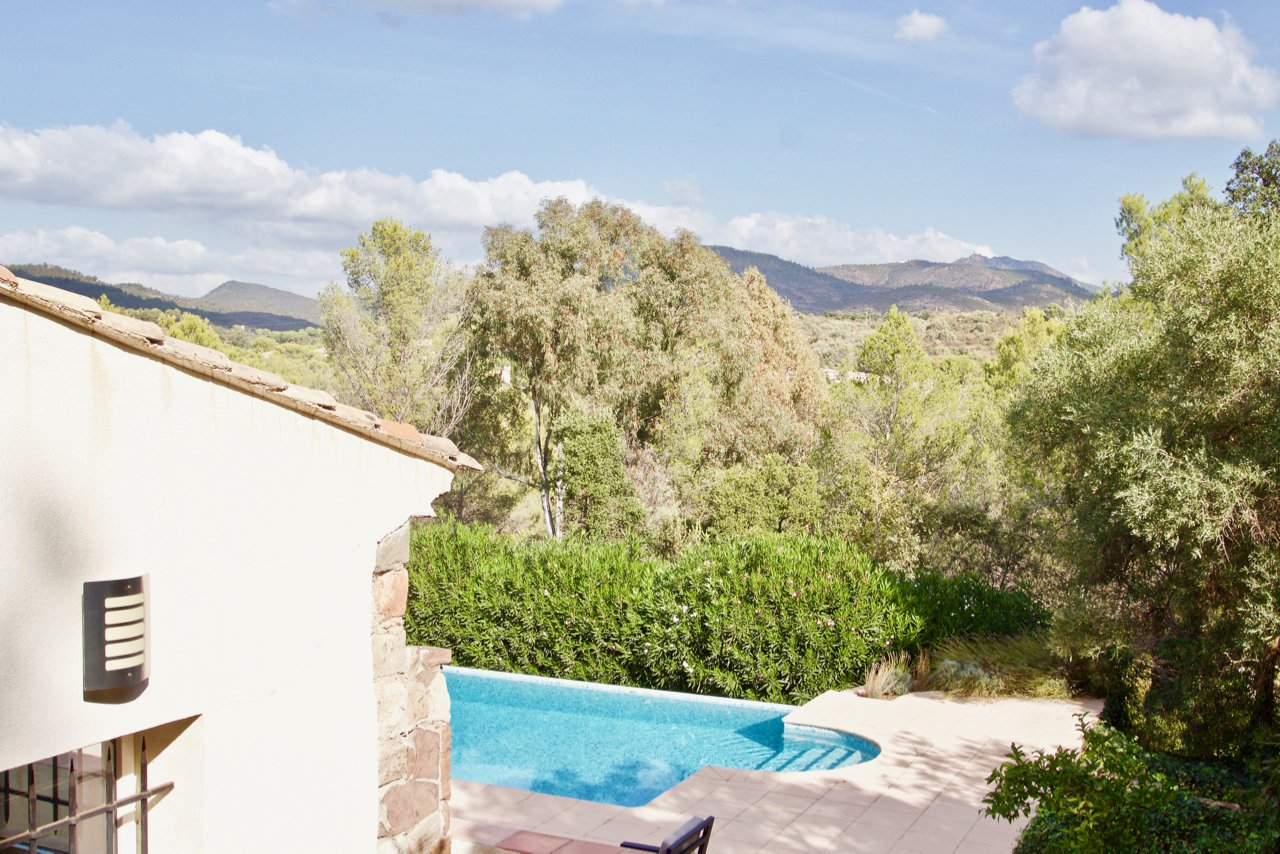 Tour de Mare - Luxury ready to move-in villa with beautiful views