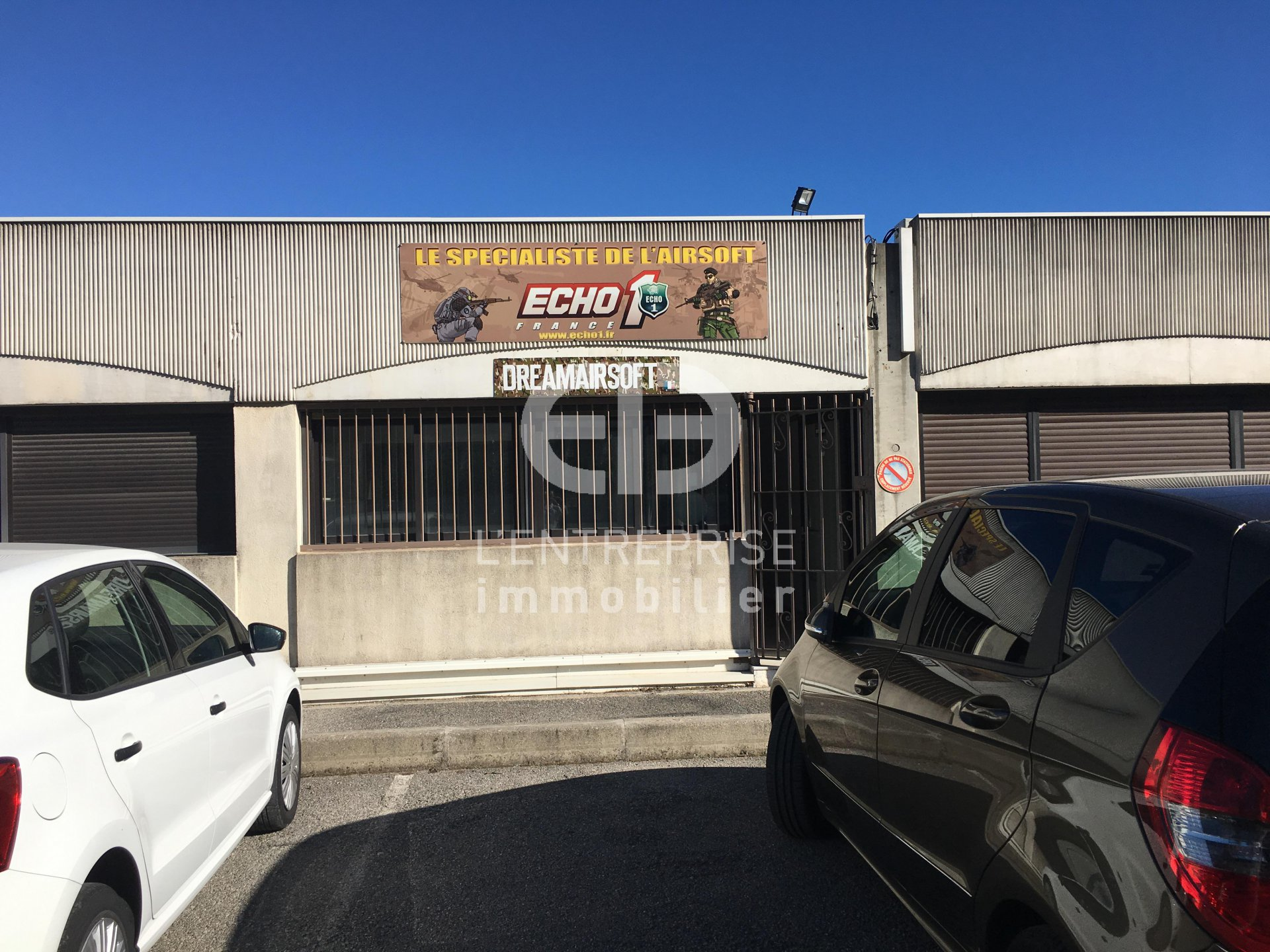 A vendre local entrep ts saint bernard vallauris for Taxe fonciere garage prix