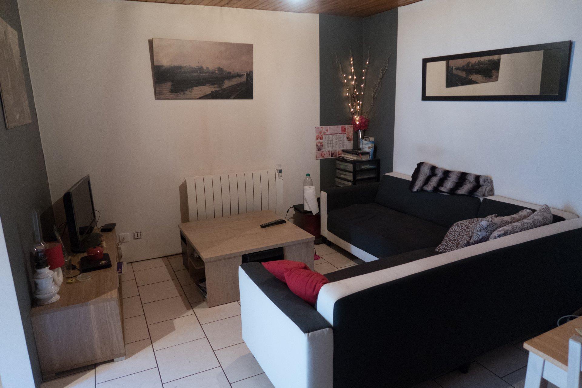 Confortable maison de ville de 60 m² environ .