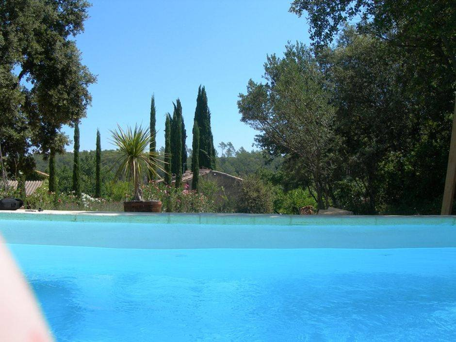 Property with charm, 2 hectares 8, 3 buildings, 6 bedrooms, pool