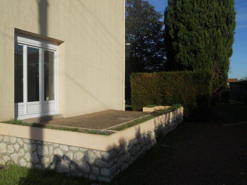 Maison proche centre ville Thouars - 4 pièces - 75 m² (env.)