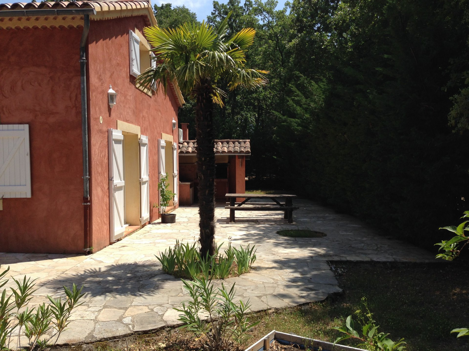 Nice villa 150 m²+ swimming pool on a fenced plot of land 1778m²