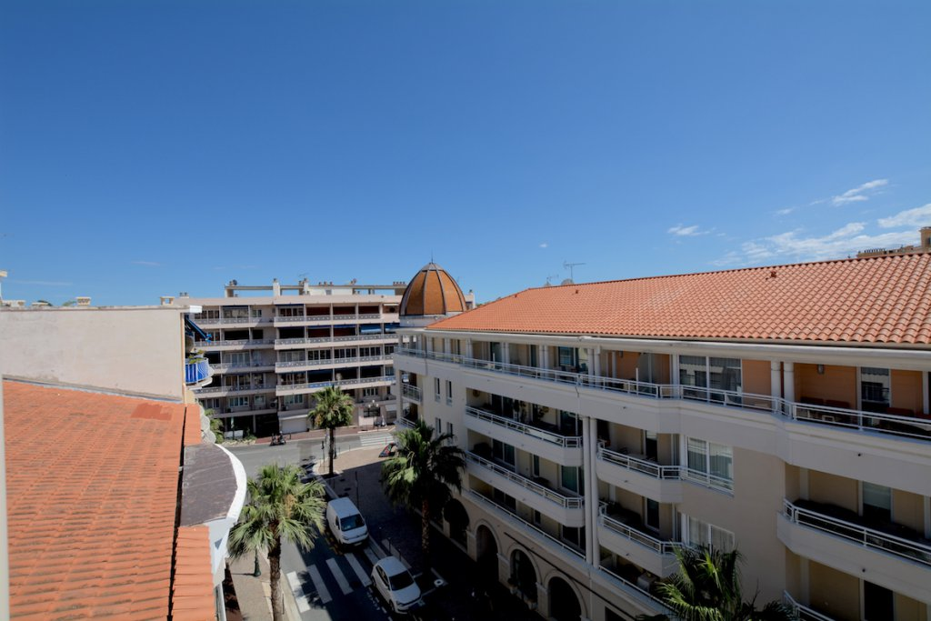 SALE APARTMENT BEAULIEU SUR MER