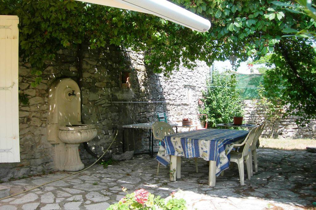 Stone house in village (detached)...