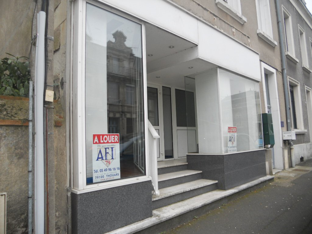 Local commercial - Centre ville de Thouars
