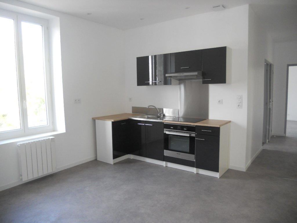 Appartement T3 Thouars centre ville 68 m² (env.)