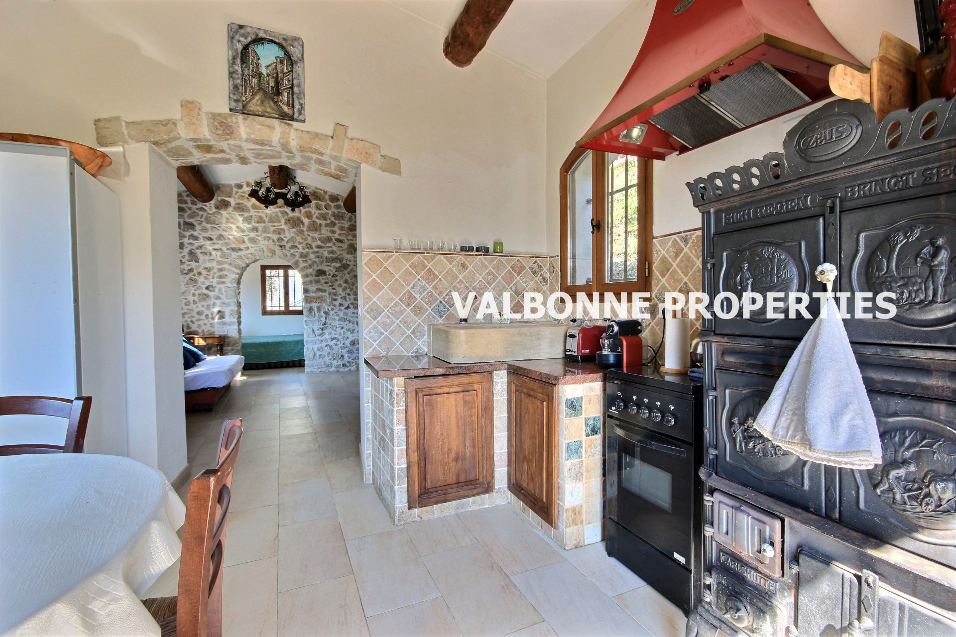 Property lots of charm consisting of 2 houses, panoramic views.