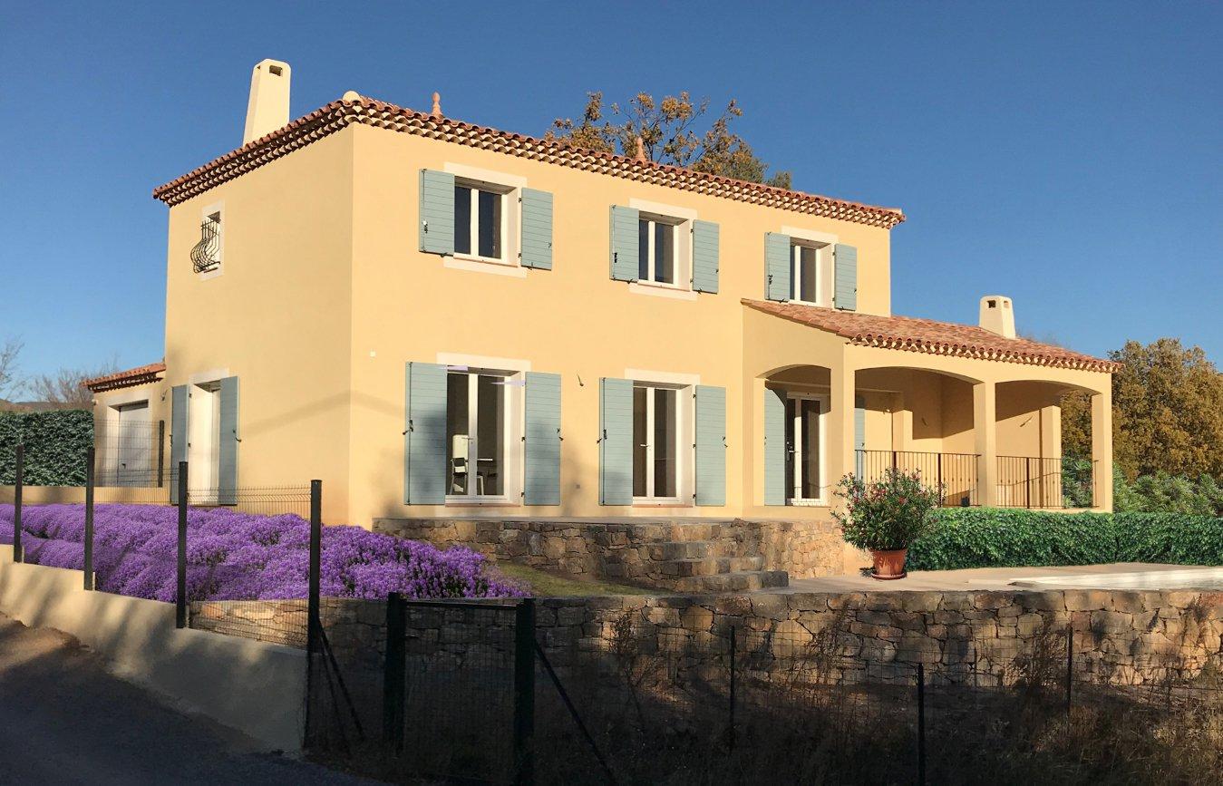 New Built villa views opver the Golf of Salernes