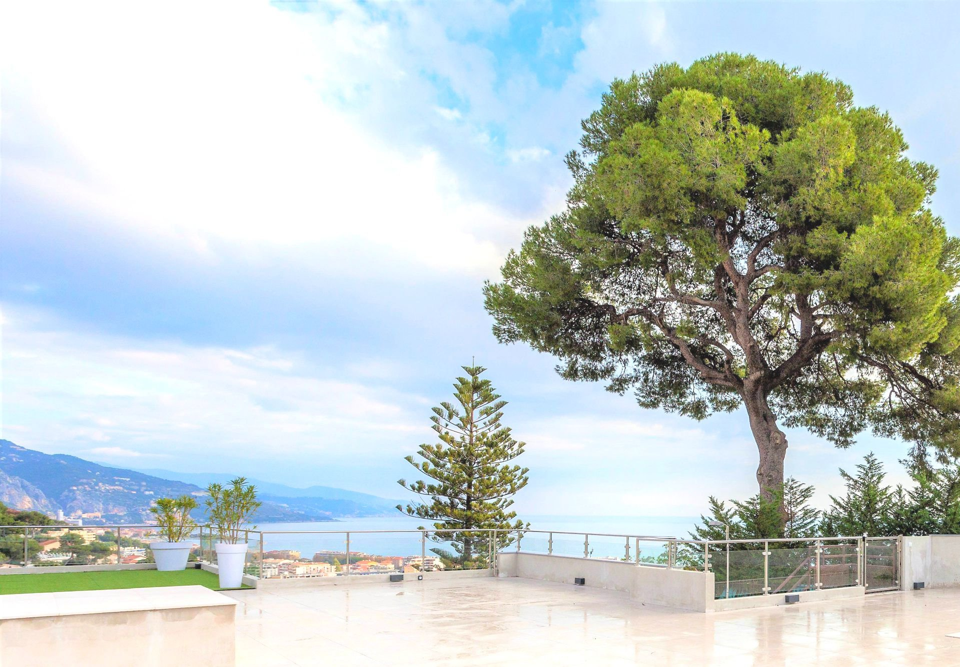 Magnifique villa vue mer à cote de Monaco