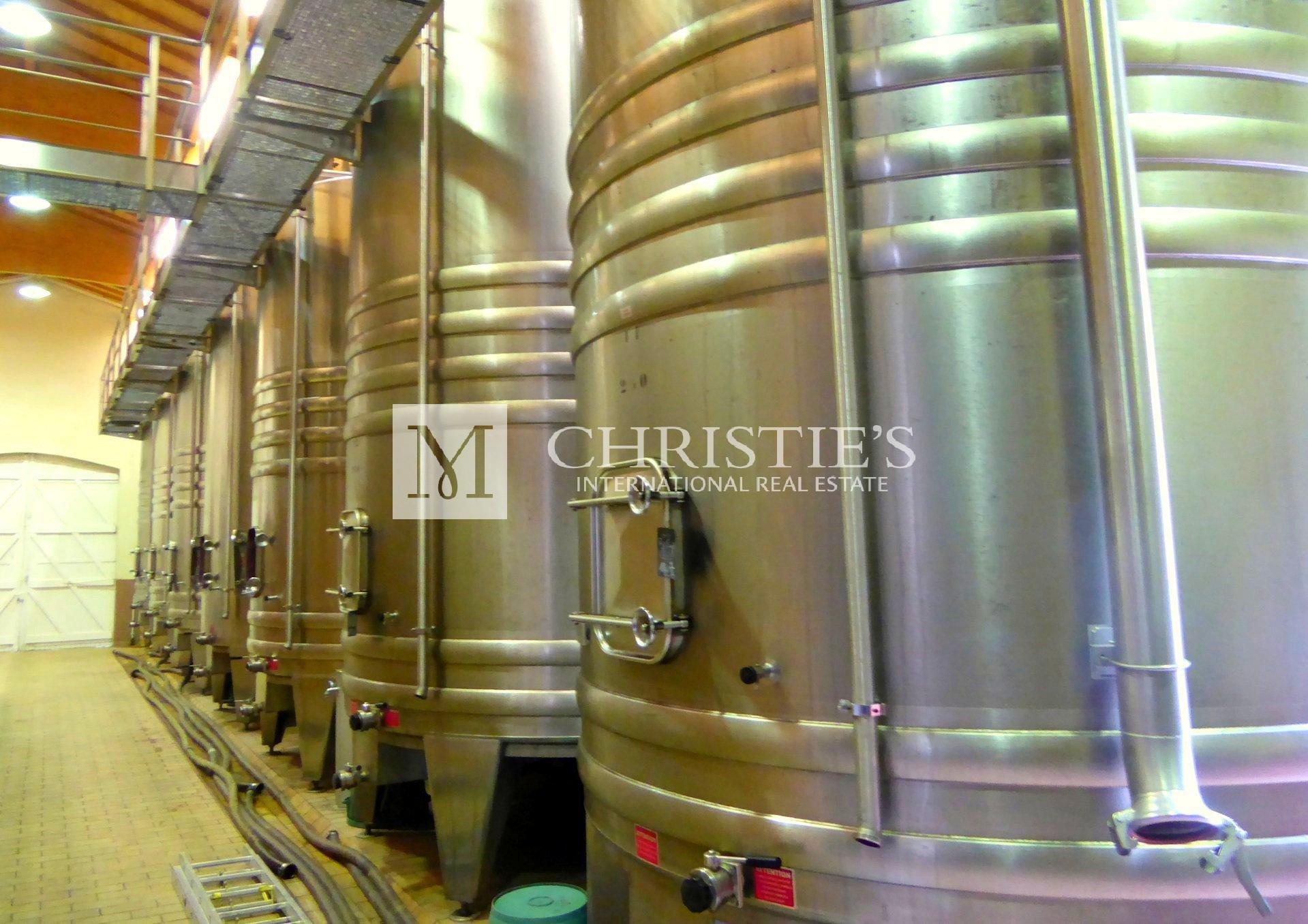 Elegant Vineyard Property – AOC Bordeaux Supérieur