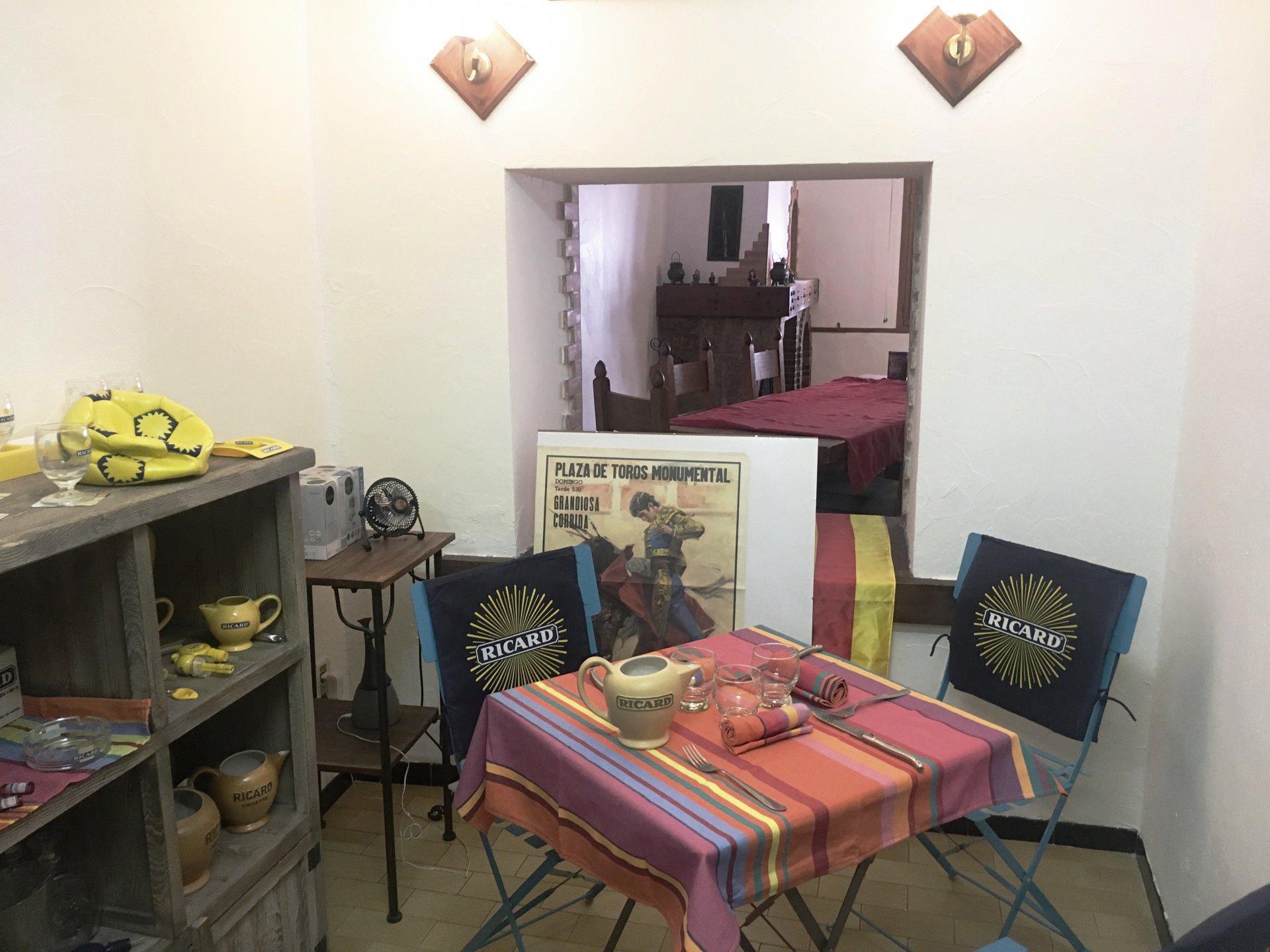 A Villefranche de Conflent- maison- commerce